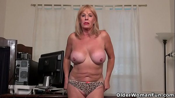 Grannies, Mature nylon